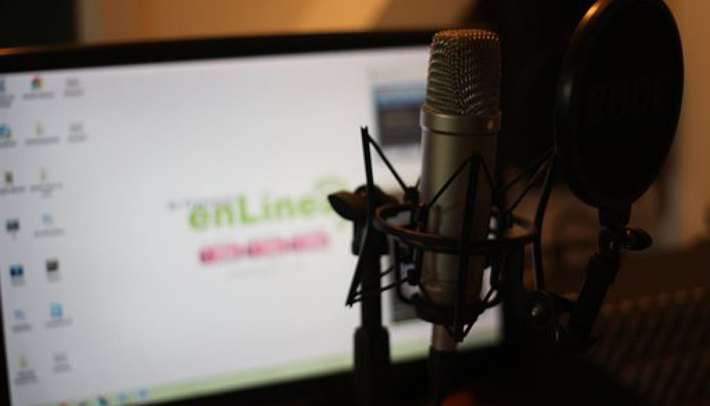 Top Marketing Podcasts That Will Make You Smarter