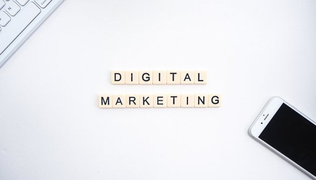 Online marketing vs. marketing online